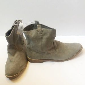 utterly stylish buy popular best shoes Old Navy Grey bootie boots lowcut 1 in heel NWT 10